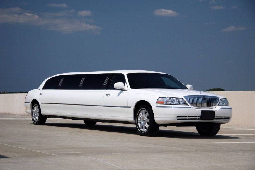 Limo rent Lincoln town car